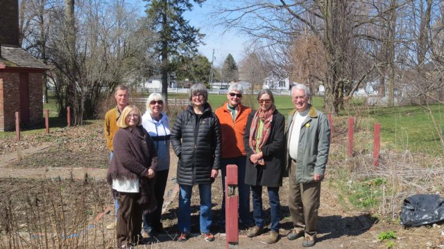Macaulay Garden MG volunteers Apr 2017